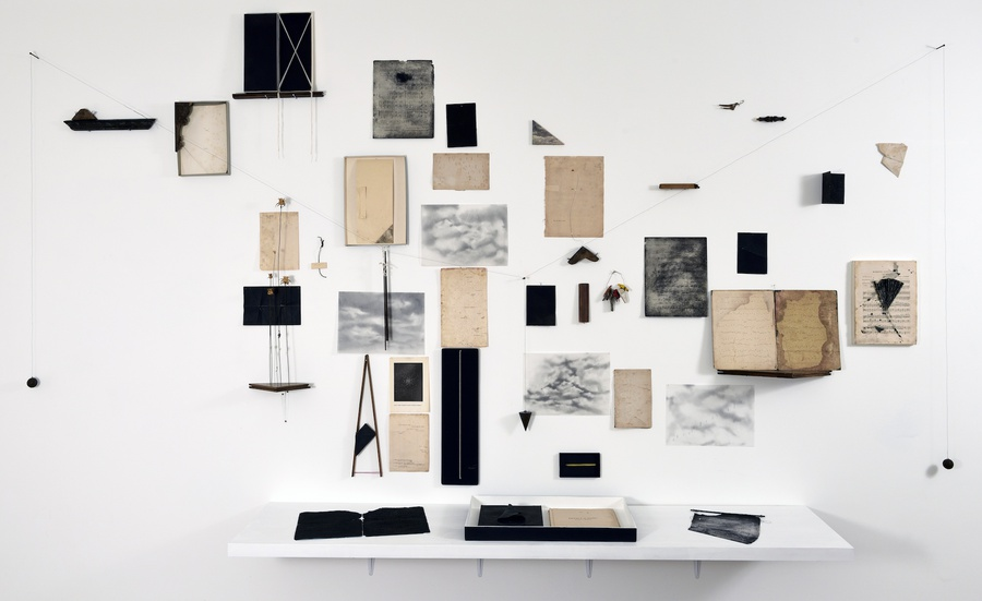 INSTRUCCIONES PARA INSTRUMENTO DE CUERDA & AIRE (2015) - María Edwards