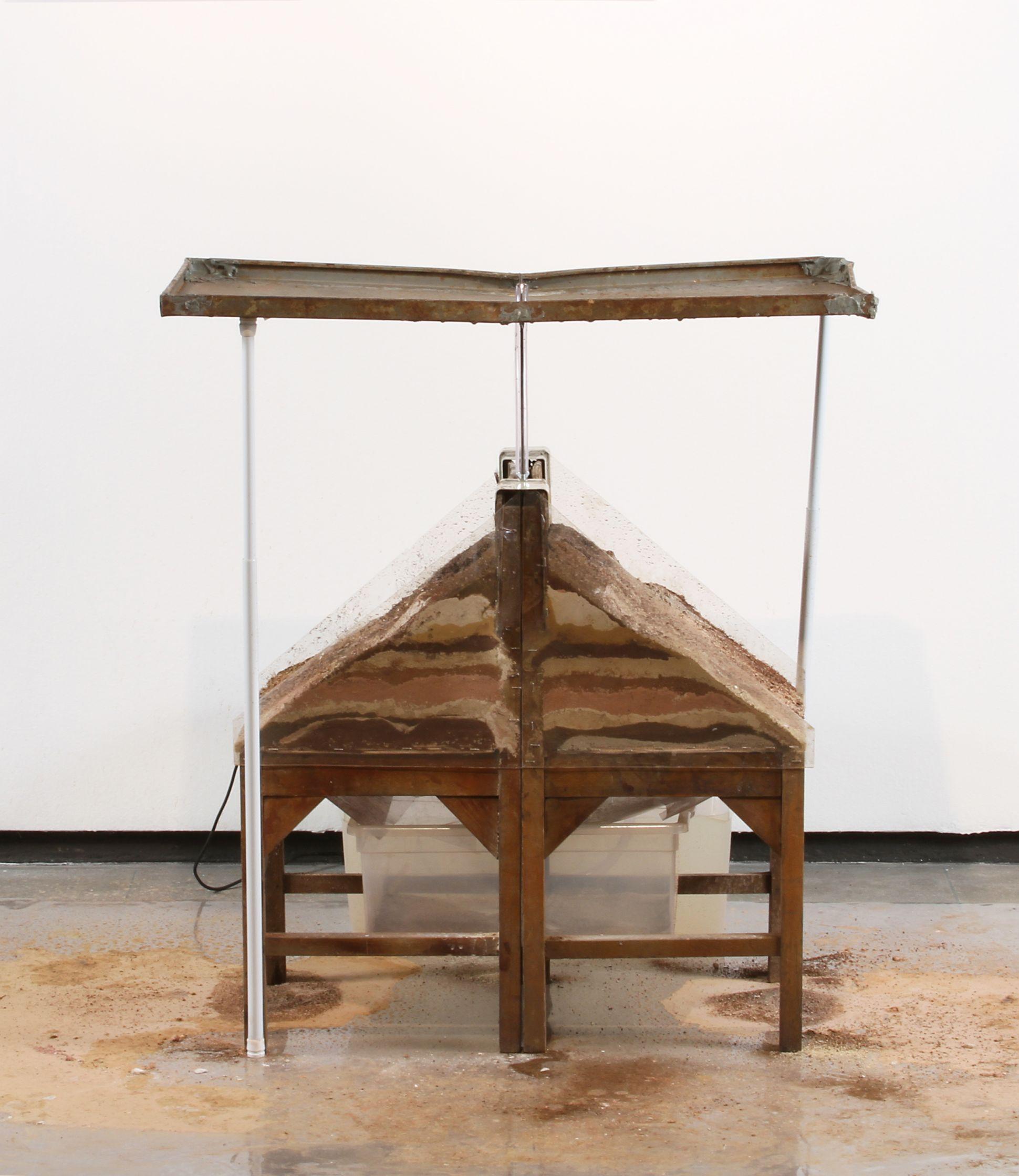 das erosões: máquina I (2010) - Raquel Versieux