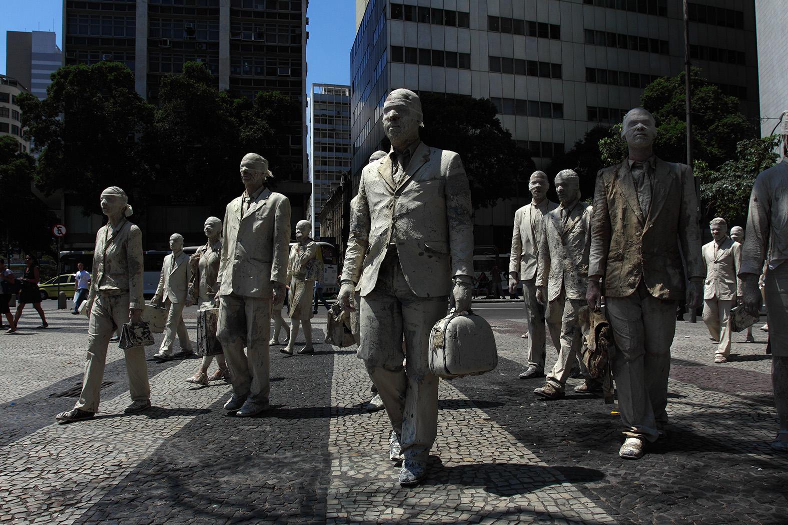 Desumanos (2012) - Ricardo Beliel