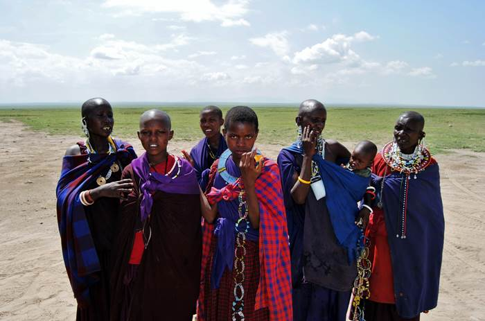 Jóvenes de la tribu MASAI en Ngorongoro, Tanzania (2015) - Carolina Paz Zúñiga