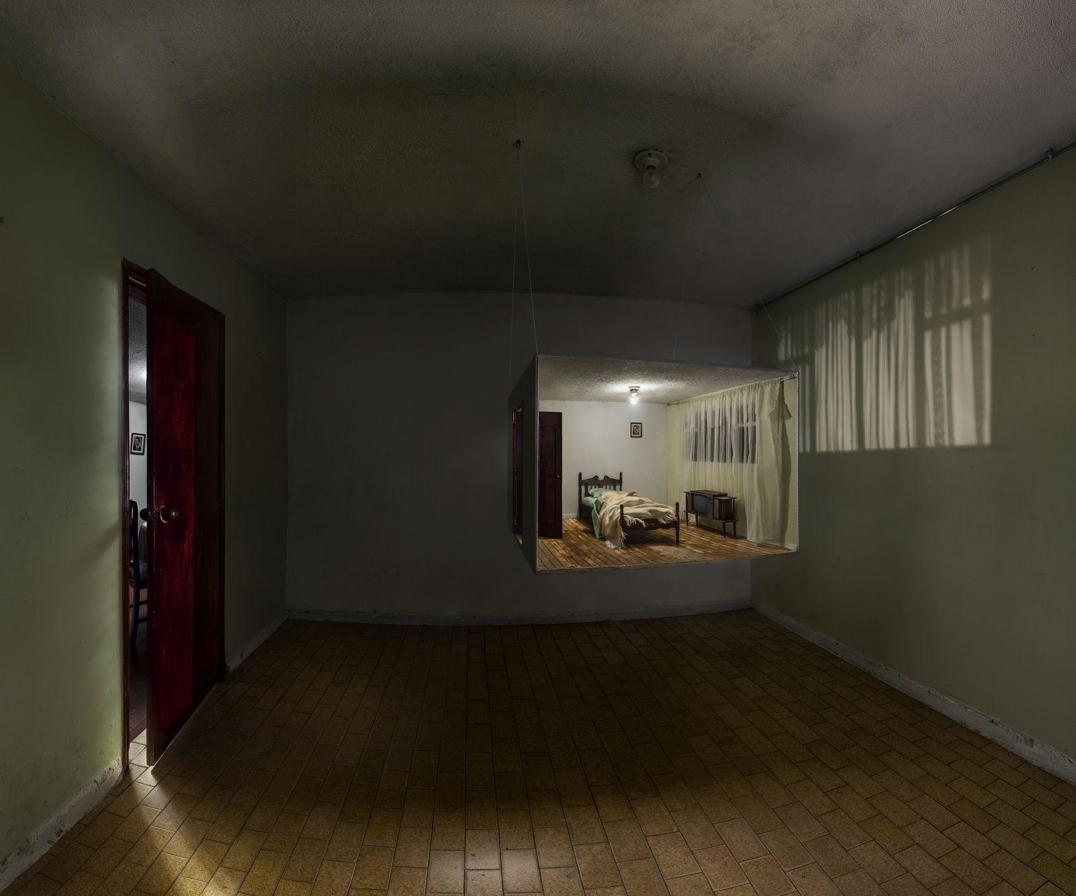 Habitación en implosión (2013) - Jonathan Chaparro