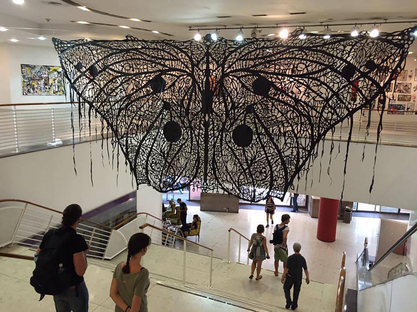 Mariposa Oscura (2011) - Andrés Paredes