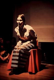 Performance 'Waiting' - Poem by Faith Wilding. Cortesía de la artista