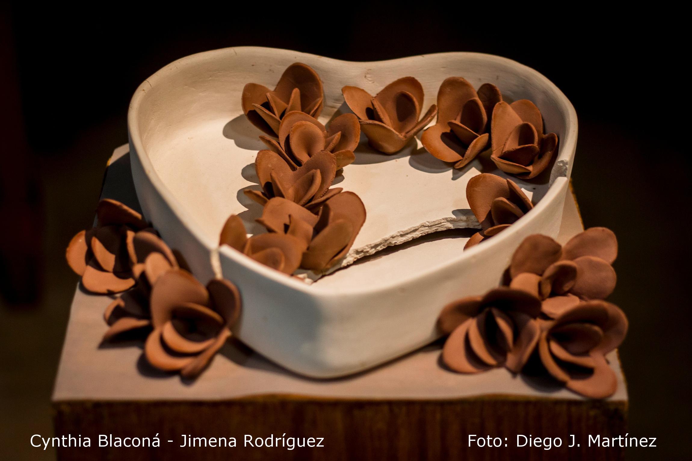 Lo que el 14 se llevó una noche de febrero. Cynthia Blaconá – Jimena Rodríguez (obra cerámica). (2015) - Cynthia Blacona