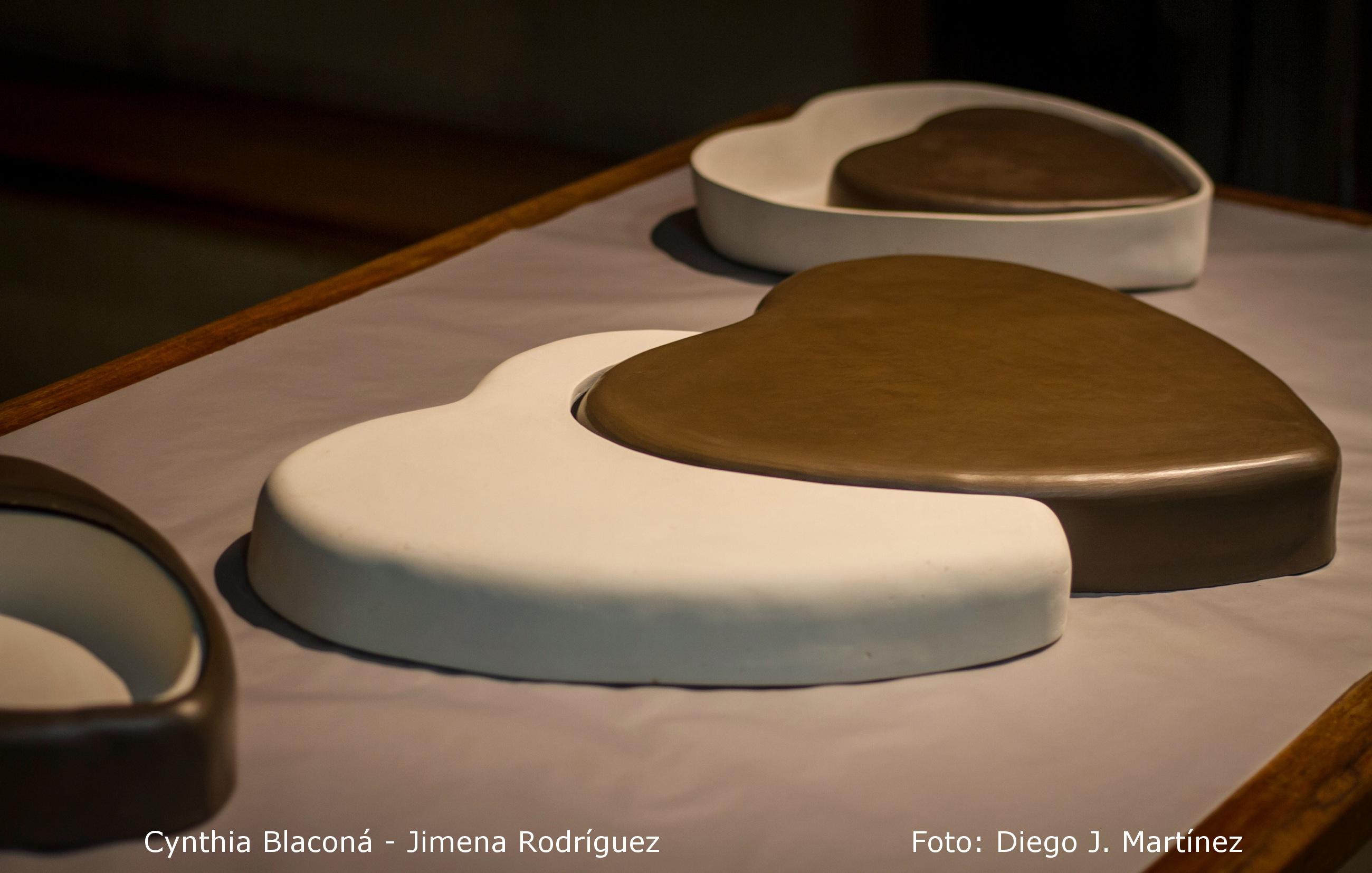 Falsas morfologías del amor romántico. Cynthia Blaconá – Jimena Rodríguez (obra cerámica). (2015) - Cynthia Blacona