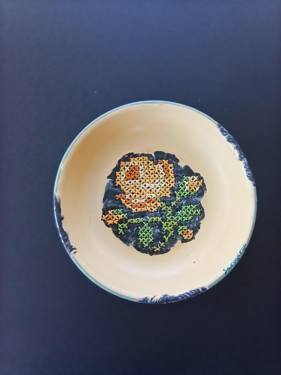 Mi preciosa vajilla de porcelana floreada P5 (2019) - Mª Rosario García Gómez - SAROGARGO