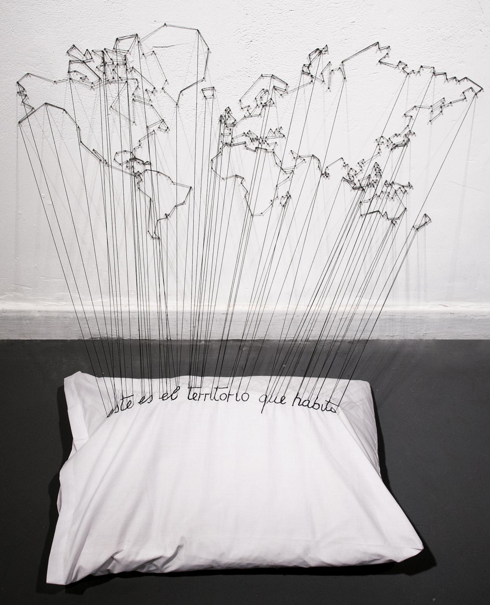 este es el territorio que habito (2012) - Paola Monzillo