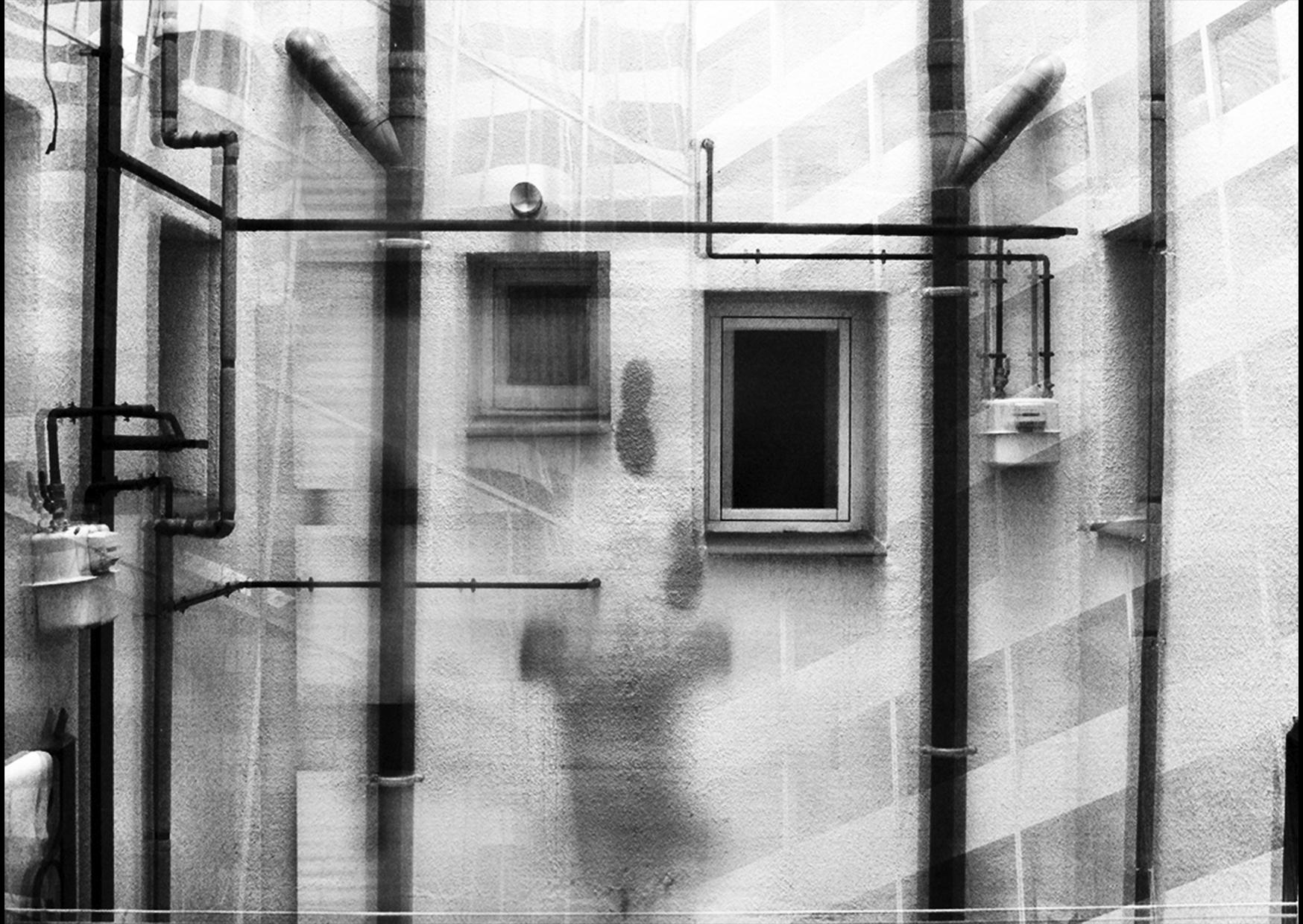 Movimiento Linear de Salida (2012) - Emanuele Giusto - Kantfish