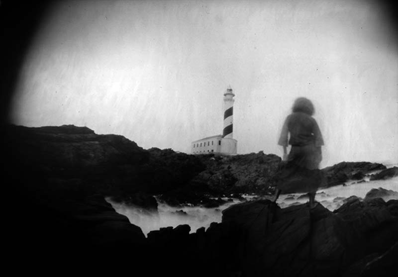 La caminante sobre el mar (2015) - inesdelaisla