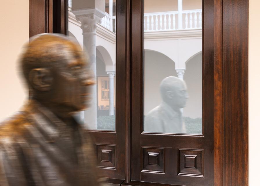 Picasso 2 (2015) - Alejandro Martín Parra
