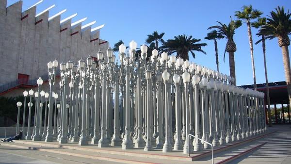 """Chris Burden, """"Urban Light"""" (2008) (photo by Kent Wang, via Wikimedia Commons)"""