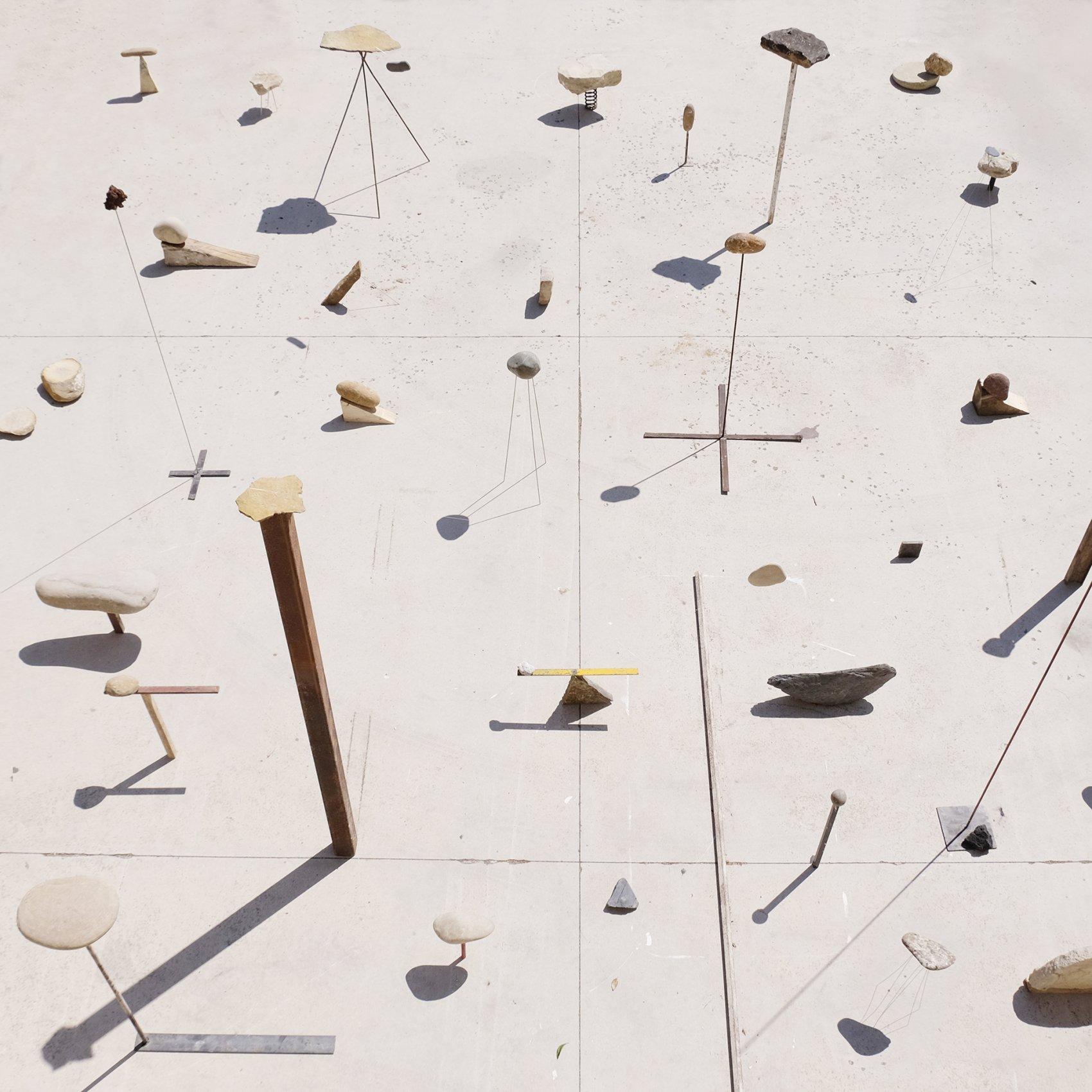 Dolmen, levantar la piedra (2018) - Alberto Odériz