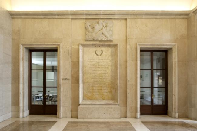 15M, España / Photomontage Casa de Velázquez Hall, Académie de France à Madrid