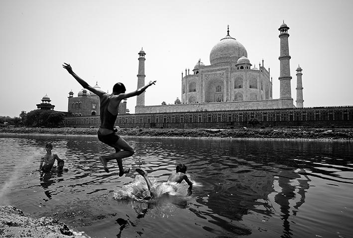 El Ángel del Taj Mahal (2009) - Patxi Uriz Domezáin - Patxi Uriz