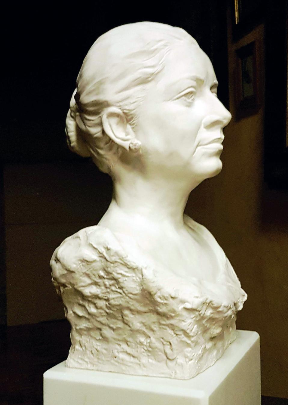 Busto de Salomé Guadalupe Ingelmo (2018) - Julio Abad Saiz