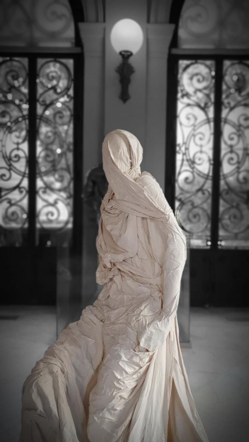 Mujeres en silencio (2018) - Lucía Vallejo