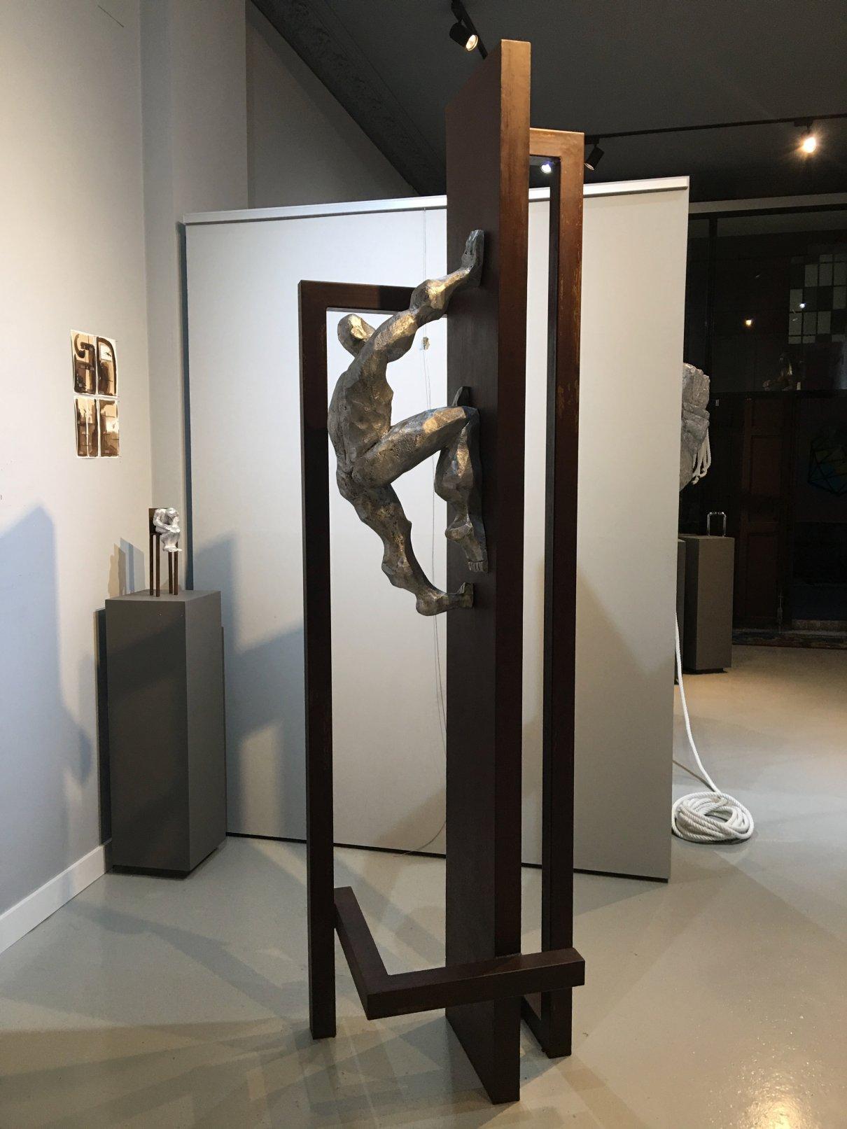 PER UNA PARET LLISA (2019) - Moisés Gil