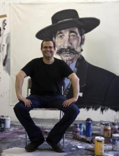 Santiago Ydáñez en su estudio de Puente de Génave, Jaén