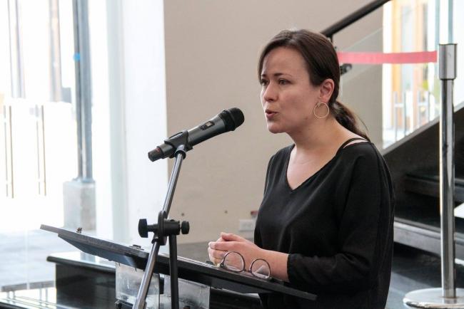 Bienvenida por parte de Belén Santillán, Coordinadora del Centro de Arte Contemporáneo de Quito. Cortesía del (CAC Quito)