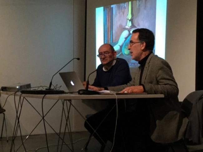 Rui Victorino, en primer plano, en el Ciclo Colecionar Arte:  Rui Victorino e Carlos Bessa Pereira © Cláudia Freire. Cortesía de los Amigos do MNAC