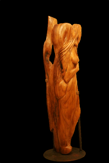 La chica del Nao    medidas 145 x 37 x 17 cm