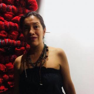 Sandra y Columna Vertebral Roja